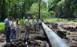 В Лисичанске идут работы по укладке магистрального водовода (видео)