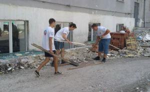 Студенты Луганского строительного колледжа восстанавливают свое учебное заведение (фото)