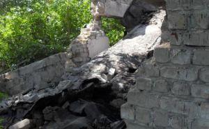 В Стаханове при разборе заброшенного здания погиб мужчина