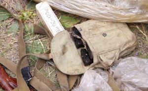 В Новосветловке и Кировске обнаружили тайники с оружием (фото)