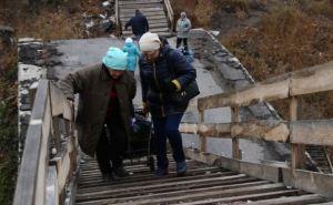 Пешеходный мост в Станице Луганской является небезопасным. —ОБСЕ