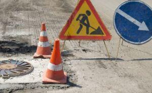 В Донецкой области ремонтируют дороги, которые идут в объезд Донецка