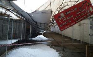 В Харькове снегопад оборвал провода и обвалил крыши