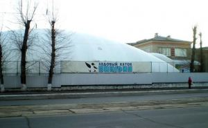 В Луганске возобновил работу ледовый каток «Пингвин»