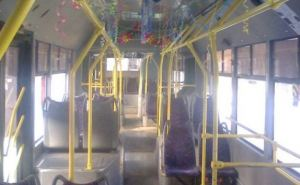 В Харькове пустили новогодний троллейбус