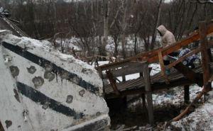 На мосту к пункту пропуска в Станице Луганской отремонтировали перила