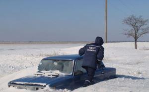 Под Харьковом в снежных заносах застряли дети