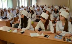Выпускники медицинских вузов будут сдавать тесты международного образца