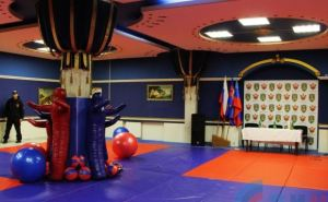 В Луганске открыли зал смешанных единоборств (фото)