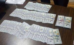 В Харькове руководителей завода задержали на взятке в миллион гривен