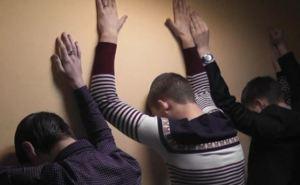 В Луганске поймали подростков, которые проникли в неработающий ночной клуб