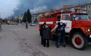 На военных складах в Балаклее продолжаются взрывы. Есть погибшие и раненые (дополнено)