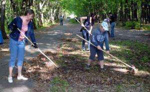 В Луганске на субботник вышли около 44 тысяч человек