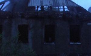 В Луганске из-за пожара семья осталась без крыши над головой