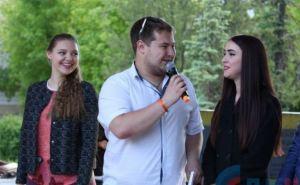 В Луганске запустили проект «Караоке у фонтана» (фото)