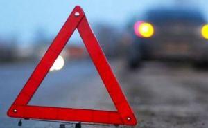 В Луганске столкнулись легковой автомобиль и маршрутка. Есть пострадавшие