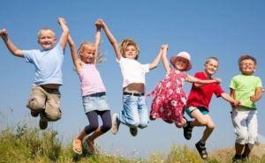 В Луганской области летом заработают всего 6 детских лагерей (видео)