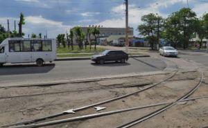 В Луганске завершают демонтаж трамвайных путей на Оборонной