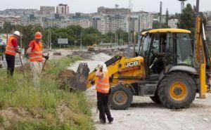 В Луганске продолжаются ремонтные работы на путепроводе