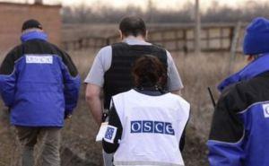 Наблюдатели ОБСЕ из-за обстрела эвакуировали полевой офис в Попасной