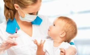 Детские больницы Луганска получили вакцины из России