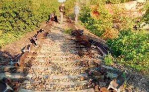 Жители Попасной порезали на металл 2-километровый участок железной дороги (фото)