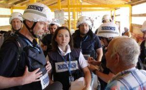 Обновленный КПП в районе Станицы Луганской теперь оснащен навесом и лавочками
