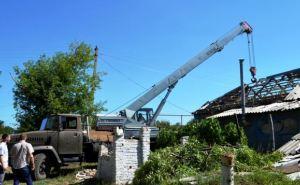 В Георгиевке из крыши дома извлекли фрагмент снаряда «Ураган» (фото)