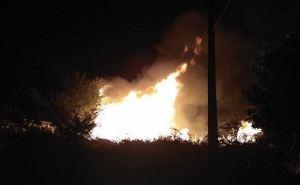 В Северодонецке случился масштабный пожар в троллейбусном управлении (фото, видео)