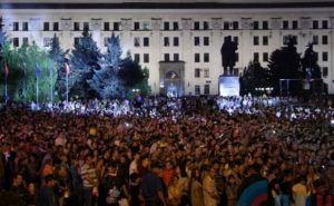 В День шахтера на Театральной площади в Луганске собралось около 10 тысяч человек (фото)