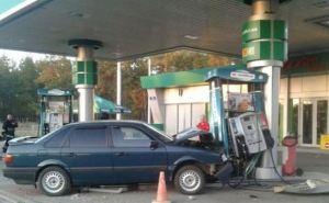 В Северодонецке пьяный водитель протаранил АЗС (фото)