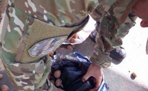 На пункте пропуска в Станице Луганской «Фантом» изъял медицинские приборы (фото)