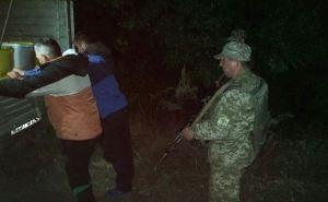Луганские пограничники задержали группу украинцев с тоннами меда у границы с Россией (фото)