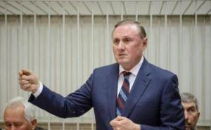 Суд продлил арест Ефремову еще на два месяца