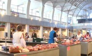 В мясном павильоне Центрального рынка Луганска упорядочили торговлю (видео)