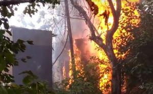В Лисичанске произошел пожар на подстанции (видео)