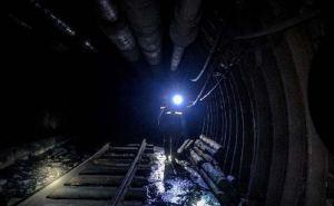 176 луганских шахтеров несколько часов провели под землей в обесточенных шахтах