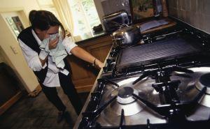 В Северодонецке жители сообщают о резком запахе газа