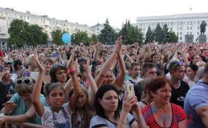 В Луганске около 10 тыс зрителей собрались посмотреть на Семенович и Майданова