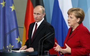 Путин и Меркель в субботу обсудят ситуацию с Донбассом