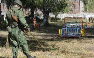 Саперы обезвредили 5  неразорвавшихся боеприпасов у школы в Золотом-5