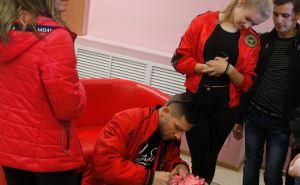 Творческая встреча с луганским художником состоялась в Молодежной библиотеке