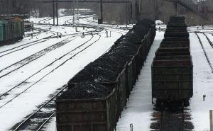 Около 500 тысяч тонн угля ежемесячно уходит в Россию из неподконтрольного Донбасса