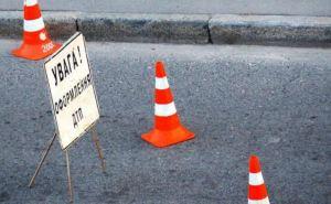 В Луганске на пешеходном переходе автомобиль сбил мужчину