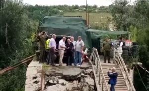 Украинским специалистам наконец удалось обследовать мост в Станице. Видео