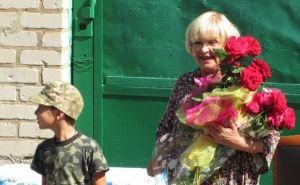 Ада Роговцева с дочерью проводят встречу в Попаснянском доме культуры