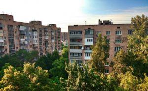 В многоэтажках Луганска начали заполнять водой отопительные системы. Мэрия говорит, что 95% домов готовы к зиме