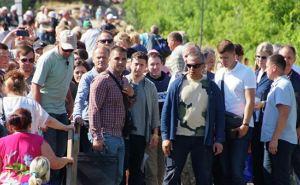 Зеленский издал указ об упрощении пересечения линии в Станице Луганской. Есть намек на открытие КПВВ в Счастье