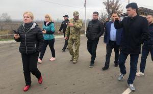 После посещения Луганской области и КПВВ «Станица Луганская» нардепы назвали 12 первоочередных задач