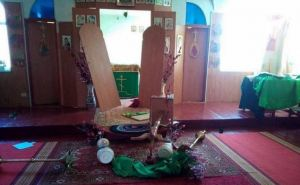 Луганчанин устроил погром в храме, пытаясь «избавиться от нечистой силы». ФОТО